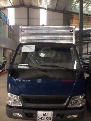 Xe Hyundai IZ49 2.4T thùng kín giao ngay