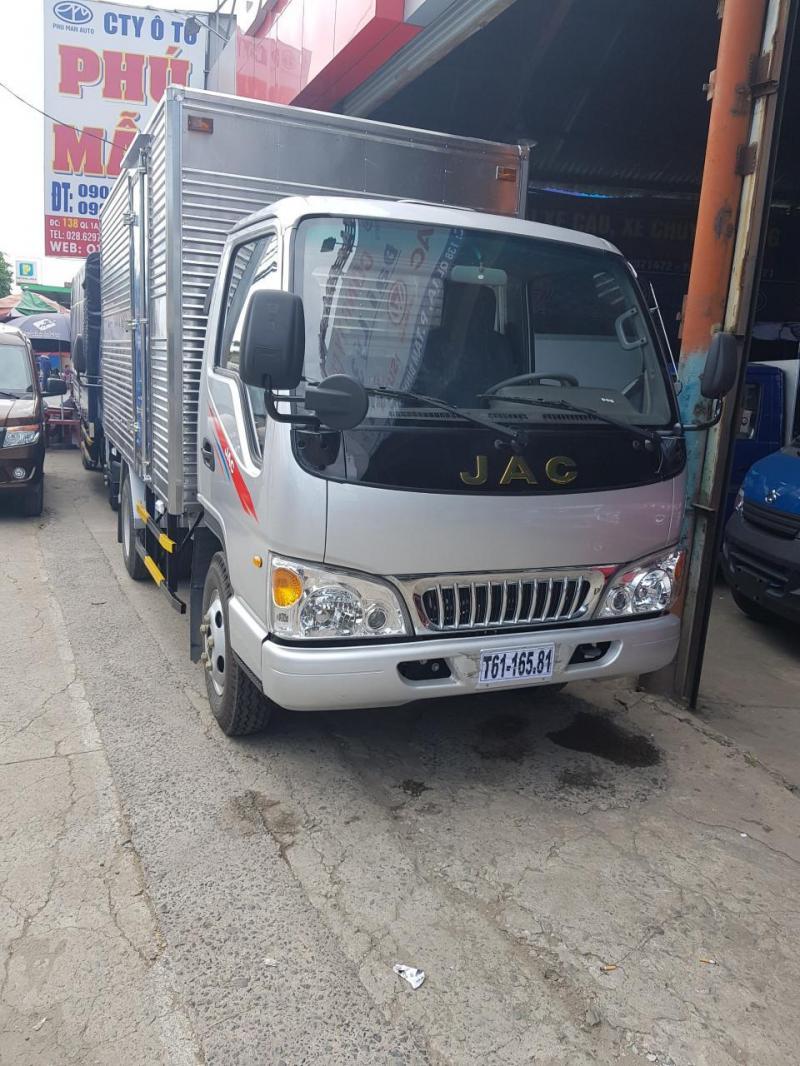 Bán xe tải Jac 2t4 mới 100%, công nghệ Isuzu, Bình Dương