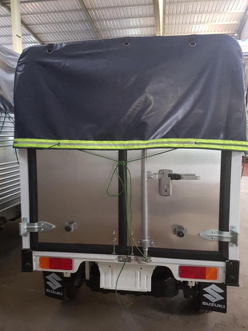 Xe SUZUKI 550kg có sẵn giao ngay