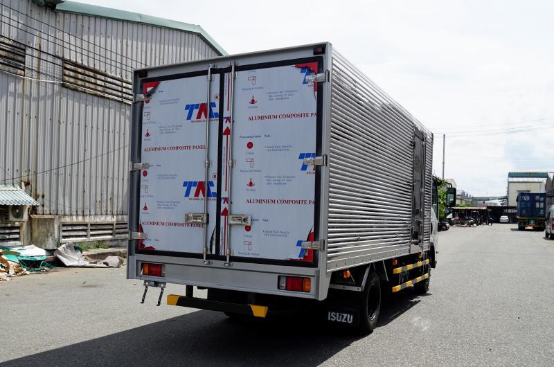 Đại lý bán xe tải Isuzu 9 tấn, 6 tấn, 5 tấn, 3.9 tấn.