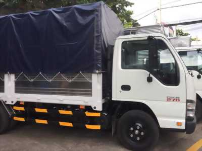 xe tải isuzu qkr77he4 thùng bạt có sẵn giao ngay, khuyến mãi cực sốc !