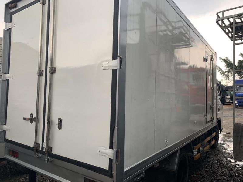 xe tải fuso canter 3,5 thùng kín 4,4m
