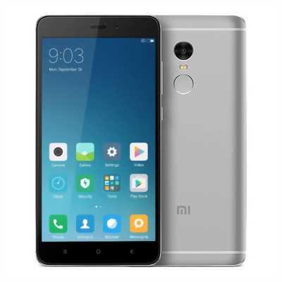 Xiaomi Mi Note Trắng 64G bán nhanh trong ngày