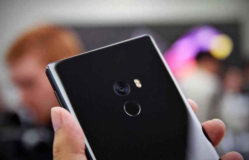 Điện thoại Xiaomi Redmi 5/5A Đen ở Hà Nội