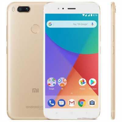 cần bán Xiaomi redmi 5plus 32 GB đen bh tới 6/2019
