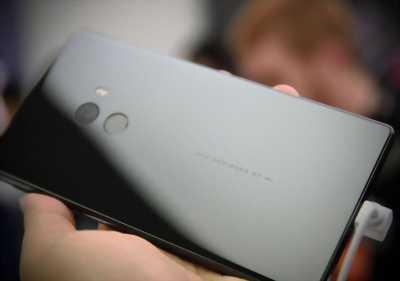 Xiaomi note4x mới bị nứt 1 tí như trong hình