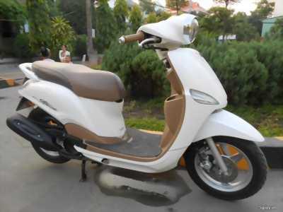 Xe tay ga Yamaha Grande. Xe đẹp