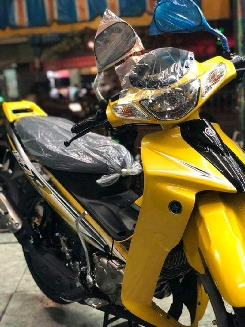 Yamaha 125ZR 2017 NHẬP KHẨU màu vàng đen